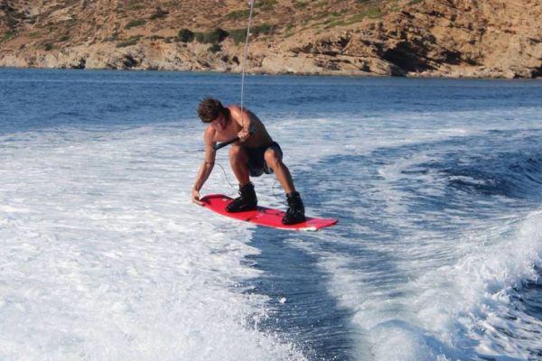 wakeboard324FCB8D8-2D13-B5DF-F280-B7A467F6B11D.jpeg